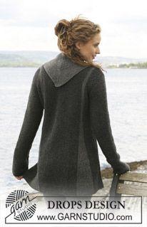 "DROPS jacket with pleats worked from side to side in garter st in ""Karisma "". Size S - XXXL. Free pattern by DROPS Design. Crochet Shirt, Crochet Cardigan, Knit Crochet, Sweater Knitting Patterns, Knit Patterns, Free Knitting, Tricot D'art, Drops Design, Point Mousse"