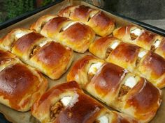 Tvarohovo-jablkové koláče (fotorecept) - obrázok 6 Hot Dog Buns, Hot Dogs, Deserts, Bread, Food, Basket, Brot, Essen, Postres