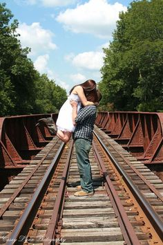 Cute country engagement pictures