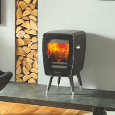 Nagle Fireplaces Stove Fireplace www.naglefireplaces.com Woodburning solid fuel stove Wood Dovre 30 Vintage
