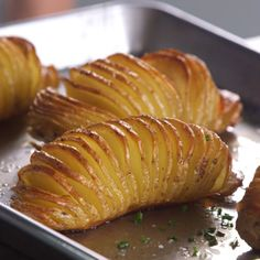 For a scene-stealing side that only takes a few minutes to prepare, turn to a new style of potatoes. Here, learn how to make easy Hasselback potatoes.