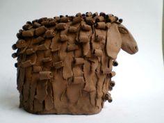 By artist Talia Karbunaru Pottery Animals, Ceramic Animals, Clay Animals, Ceramic Figures, Clay Figures, Paper Mache Clay, Clay Art, Ceramic Clay, Ceramic Pottery