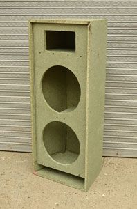 cabina armada Diy Subwoofer, Subwoofer Box Design, Speaker Box Design, Speaker Plans, Hifi Speakers, Diy Boombox, Class D Amplifier, Box Building, Audio Room