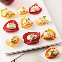 Sub meat and chess Cheese; Yummy layers of your favorite taco fillings baked in wonton wrappers in cupcake form. This easy twist on regular tacos is ready in 30 minutes, making it perfect for a weeknight meal. Appetizer Recipes, Snack Recipes, Cooking Recipes, Beef Recipes, Party Appetizers, Easy Recipes, Recipies, Wonton Recipes, Mexican Dishes