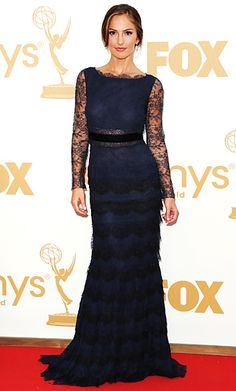 Minka Kelly chose a navy lace Christian Dior gown : love it!