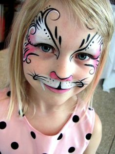 maquillage carnaval, comment maquiller sa petite fille comme chat ou comme papillon