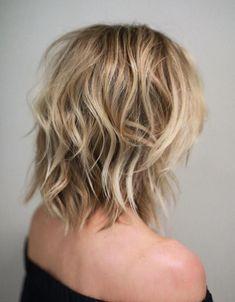 Messy Wavy Blonde Lob