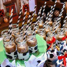 A decoração da fazendinha do Dudu 🤠 ficou completa com as nossas lindas leiteiras. 🐮🎈E os canudos #artegift deixaram o mimo ainda mais… Cake, Birthday, Desserts, Food, You Complete Me, Farmhouse, Fiestas, Cows, Tailgate Desserts