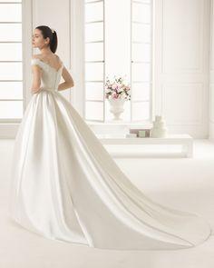 2016 EMILIA TWO ROSA CLARA  (Vestido de Noiva). Estilista: Rosa Clará. ...