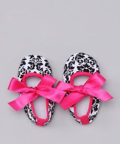 Take a look at this Black & White Damask Bow Flat on zulily today!