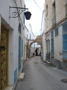 Facebook :  À Tunis.