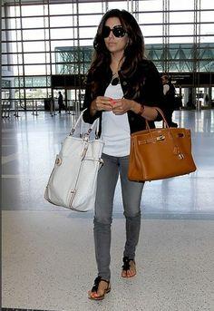 Eva Longoria - jeans with flip sandals
