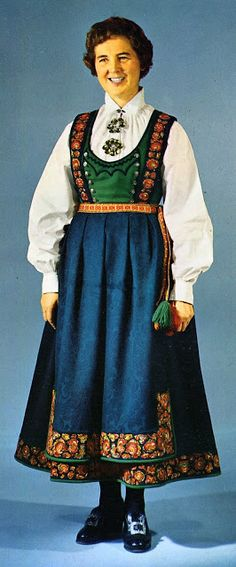 FolkCostume&Embroidery: Overview of Norwegian Costumes, part The eastern heartland Folk Clothing, Clothing Patterns, Norwegian Clothing, Pattern Recognition, Doll Costume, Scandinavian Style, Traditional Dresses, Norway, Lappland
