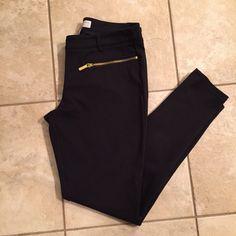 Michael Kors Black Pants Excellent condition worn once. Michael Kors Pants Skinny