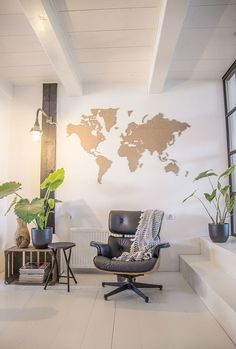 binnenkijken, wooninspiratie, woonaccessoires, bijzondere woning, monument, woonboerderij, industrieel, urban jungle, vintage, modern, kamerplanten, kollum