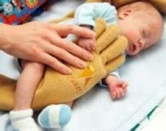 The Zaky Hand - A Therapeutic Pillow for NICU Babies