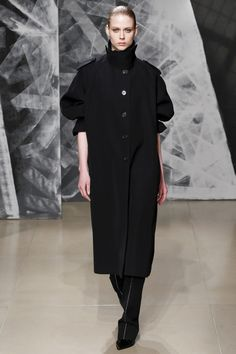 Everything about this coat -- Jil Sander Fall 2016 Ready-to-Wear Fashion Show