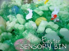 Easy Easter sensory bin for toddlers.