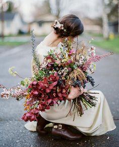 Florals @layeredvintage at #ponderosaworkshop Photo by @ivyandgoldphotography…