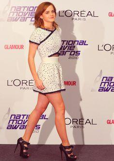 OOOOOooo. I haven't seen this photograph before. Struttin' so beautifully and I love the dress!!!