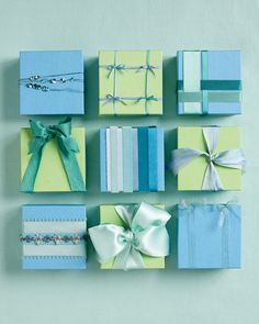 i love wrapping gifts... tutorials on how to bow different ways...