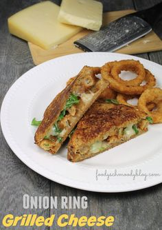 Onion Ring Grilled Cheese Sandwich  - Grilled cheese doesn't have to be boring.  Upscale your grilled cheese with premium cheeses and hearty breads and add a little crunch with some crunchy onion rings! #SpringIntoFlavor #ad @walmart #cbias