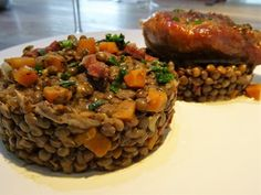 LENTILLES AU CONFIT DE CANARD 247 My Favorite Food, Favorite Recipes, Meatloaf, Chefs, Recipies, Grand Chef, Cooking, Minute, Lyon