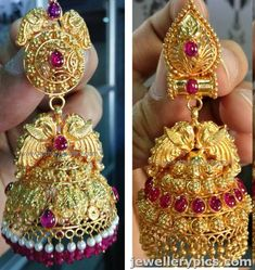 Latest Jhmuka designs from Kothari jewellers - Latest Jewellery Designs Indian Jewellery Design, Bead Jewellery, Latest Jewellery, Temple Jewellery, Indian Jewelry, Jewelry Design, Gold Jhumka Earrings, Gold Earrings Designs, Gold Diamond Earrings
