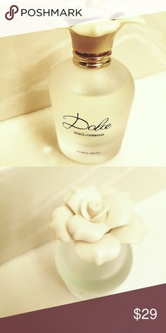 """Dolce & Gabbana """"Floral Drops"""" EDT 1.6 oz. Bottle. 92% full. Fresh and airy. Notes: Neroli Leaf, papaya flower , amaryllis, daffodils and water lily, cashmere, musk and Sandalwood. Dolce & Gabbana Makeup"""