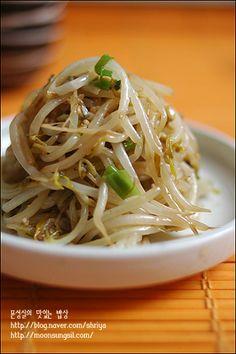 숙주가 느무 좋아~~~숙주볶음~~ Korean Dishes, Korean Food, K Food, Love Food, Asian Recipes, Ethnic Recipes, Vegetable Seasoning, Food Plating, Food Styling
