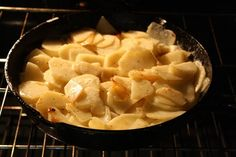 Creamy Skillet Potatoes with Garlic | Best Cast Iron Skillet Recipes