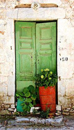 the green door ! (on explore 26 June) Cool Doors, Unique Doors, When One Door Closes, Knobs And Knockers, Door Gate, Painted Doors, Wooden Doors, Closed Doors, Doorway