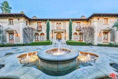 The Hollywood Ghosts of Roxbury Drive: A Pictorial Feature - Cinema Scholars Beverly Hills, Infinity Edge Pool, Dream Properties, Italian Villa, Expensive Houses, Dream House Exterior, Celebrity Houses, Resort Style, Classic House