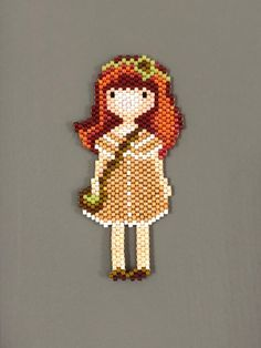 Pendant or brooch doll in Miyuki beads/original pendant/gift idea/woman pendant - Magnet making Loom Bracelet Patterns, Seed Bead Patterns, Bead Loom Bracelets, Peyote Patterns, Beading Patterns, Seed Bead Crafts, Seed Bead Jewelry, Fuse Beads, Beads And Wire