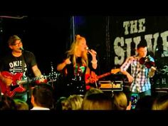 """Lauren Alaina closed the show singing her song """"Georgia Peaches"""" on the Silver Dollar Saloon during the #2015CMAFest (June 2015)"""