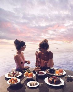 Image about girl in summer vibes only by Kiara Reyes Sisters Goals, Bff Goals, Best Friend Goals, Bff Pictures, Hawaii Pictures, Summer Photos, Adventure Is Out There, Travel Goals, Besties