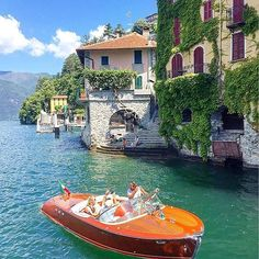 Lake Como Italy  #Regram via @www.instagram.com/p/BmbJRm5APK6/