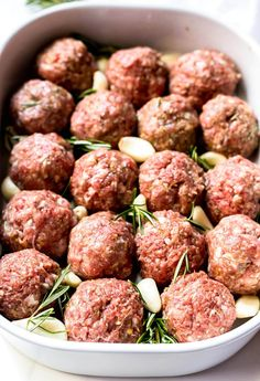 These Garlic Rosemary Whole 30 Meatballs are an easy, nutritious and versatile dinner recipe. Meatballs make a great healthy main course, then just add vegetables on the side. This recipe is Whole 30, Paleo, Gluten Free, Grain Free, Keto, Low Carb and Dairy Free. #ketorecipes #whole30recipes #easydinnerrecipes