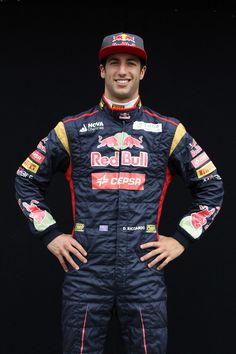 Round 1, Rolex Australian Grand Prix 2013, Preparation, #19 Daniel Ricciardo (AUS), Driver, Scuderia Toro Rosso
