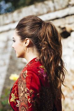 texture high ponytail curls curly