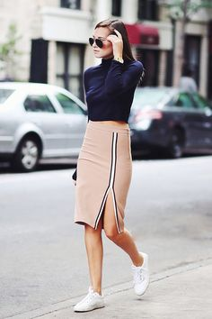 25 Ways to Pull Off Skirts and Sneakers Without Looking Like an '80s Secretary | Popbee - a fashion, beauty blog in Hong Kong.