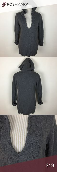"""🆕Gray Vneck Hooded Sweater Worn once- excellent condition. Bust about 37"""" and length about 27"""". Old Navy Sweaters V-Necks"""