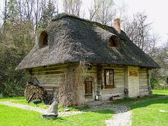 Village House Design, Village Houses, Storybook Homes, Wooden Cottage, Simply Home, Medieval, Thatched Roof, Witch House, House Landscape
