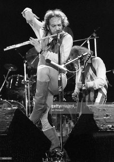 El Rock And Roll, Classic Rock And Roll, Music Pics, Art Music, Rock Artists, Music Artists, Rock Bands, Metal Bands, Jethro Tull