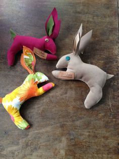 bunny rabbits, made from fabric scraps 25 TL, 8 euro Bunny Rabbits, Fabric Scraps, Euro, Stuff To Do, Dinosaur Stuffed Animal, Animals, Animales, Animaux, Animal