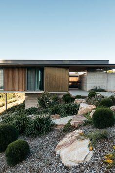 Modern Landscaping, Outdoor Landscaping, Outdoor Gardens, Tea Gardens, Landscaping Ideas, Pool Landscape Design, Garden Design, House Design, Australian Native Garden