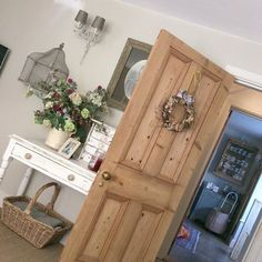 Sunday 💕 English Farmhouse, Country Farmhouse, Country Houses, Farmhouse Interior Doors, English Cottage Interiors, Decoration, House Colors, My Dream Home, Kitchen Decor