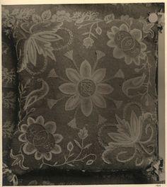 Yllebroderi, åkdyna. Märkt: HND JOS 1821. Hemslöjdens Samlingar - Fotograf Zickerman, Lilli