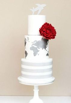 28 Beautiful Travel Themed Wedding Cakes - Weddbook