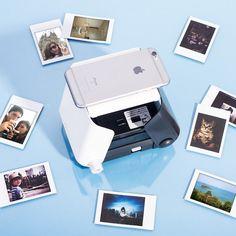 A portable photo printer that'll transform any smartphone into an instant camera. Camera Frame, Polaroid Camera, Mini Camera, Fujifilm Polaroid, Dslr Photography Tips, Samsung, Instant Camera, Photo Printer, Animal Pillows